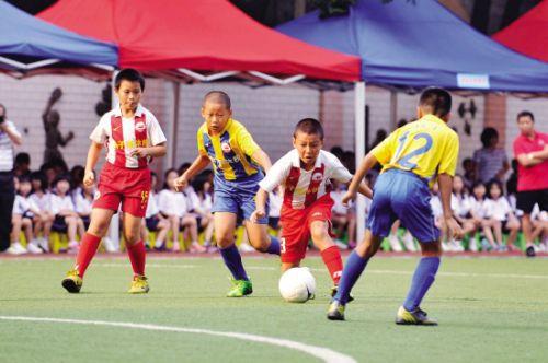 校园足球推动足球文化普及